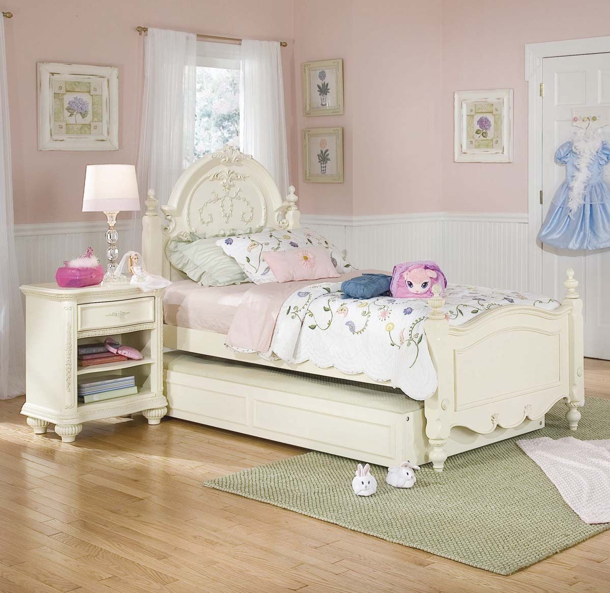 Kid Bedroom Soft Pink Bedroom Furniture Set Theme Color
