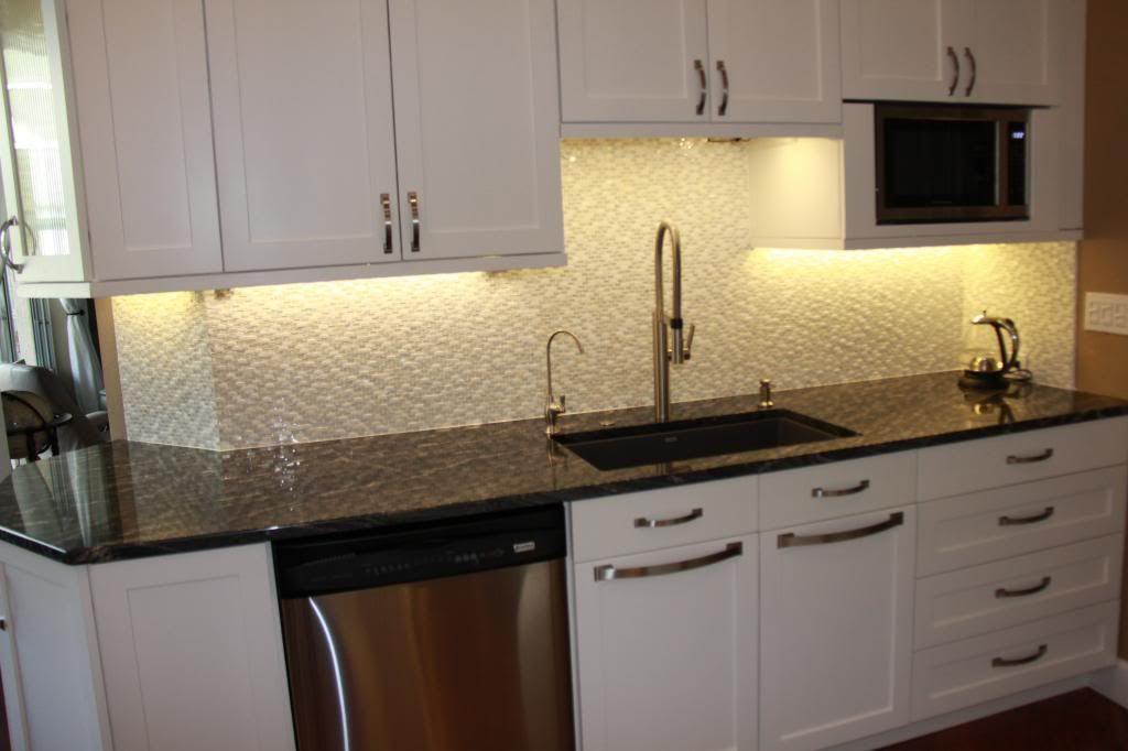 Please Post Pictures Of Kitchen Sinks Without A Window Kitchen Sink Decor House Design Kitchen Minimalist Kitchen