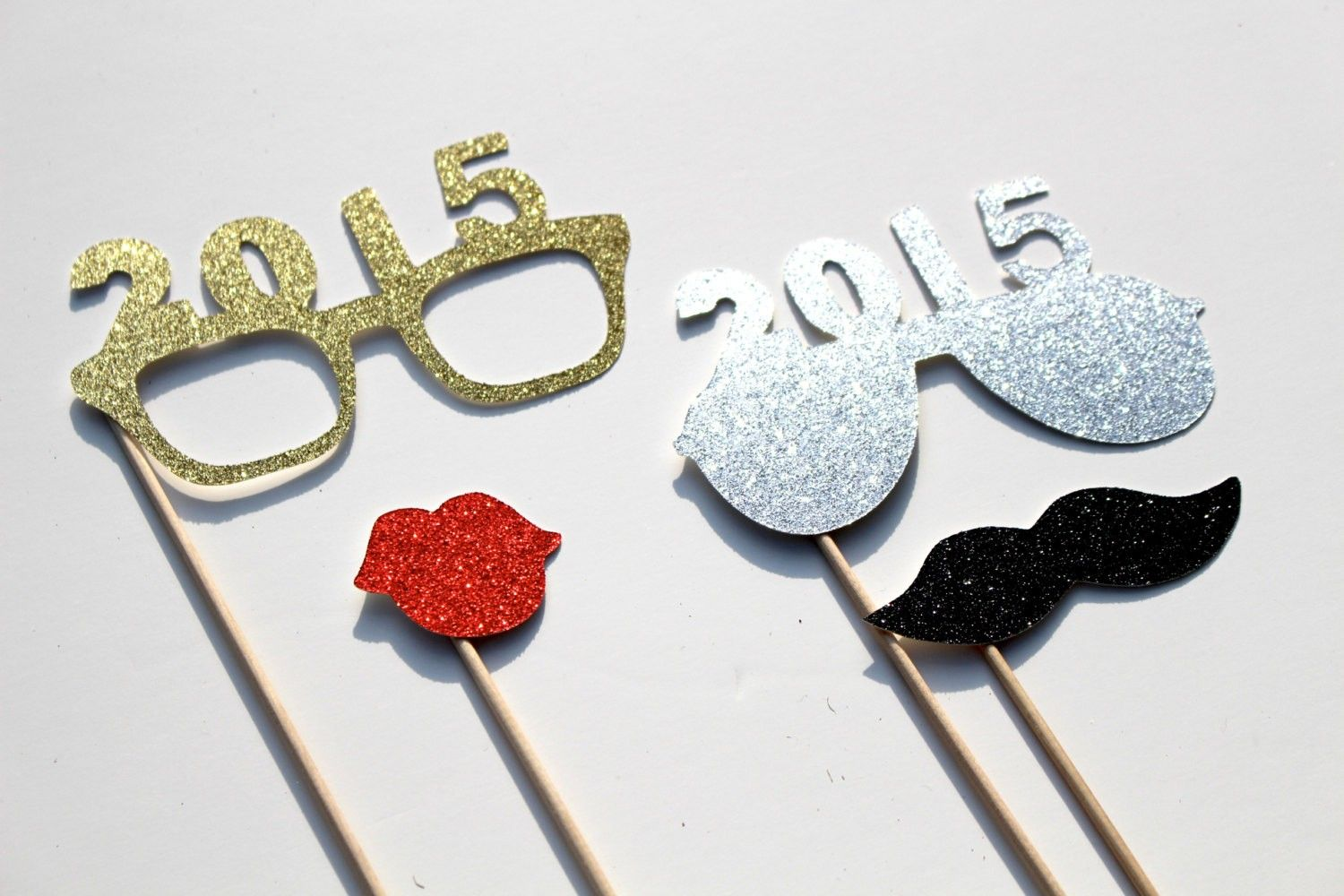 NEW YEAR\'S EVE HOME PARTY DECORATING IDEAS | Paris design