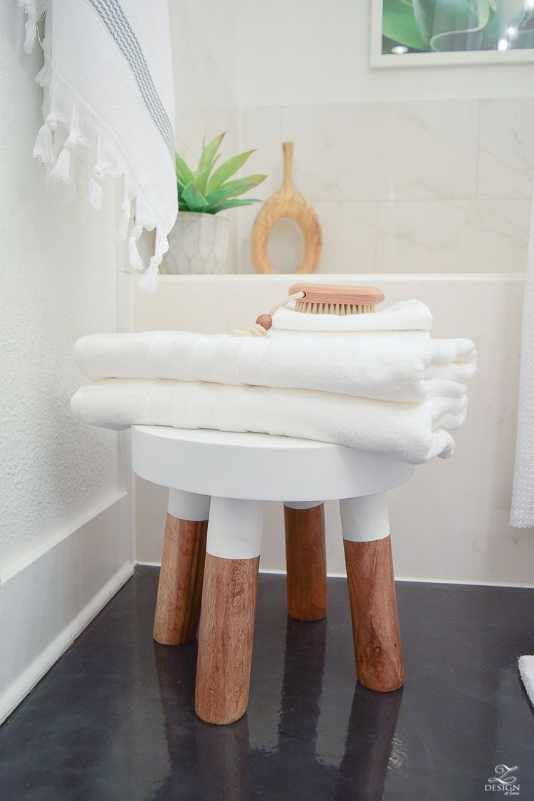 The Best Way to Fold A Bath Towel + the Softest Hotel Bath Towels ...