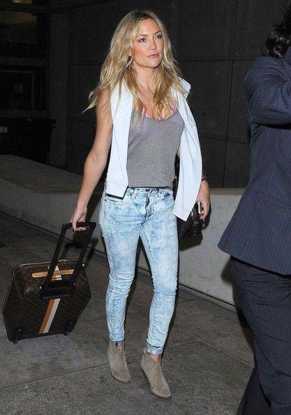 Kate Hudson Photos: Kate Hudson Arriving On A Flight At LAX
