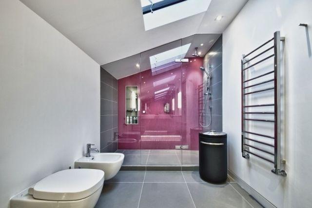 Badezimmer Schrägedach Ideen Heizkörper Design Pinke Wand