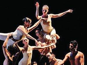 Creado en 1966, el Ballet Independiente (BI) es una compañía trágica. Desde su fundación en 1966 por Raúl Flores Canelo (1929-1992) y Gladiola Orozco originalmente miembros del Ballet Nacional de México, ha ido poco a poco convirtiéndose en un grupo fantasma que se sostiene por una suerte de inercia inexplicable. Crucial es el […]