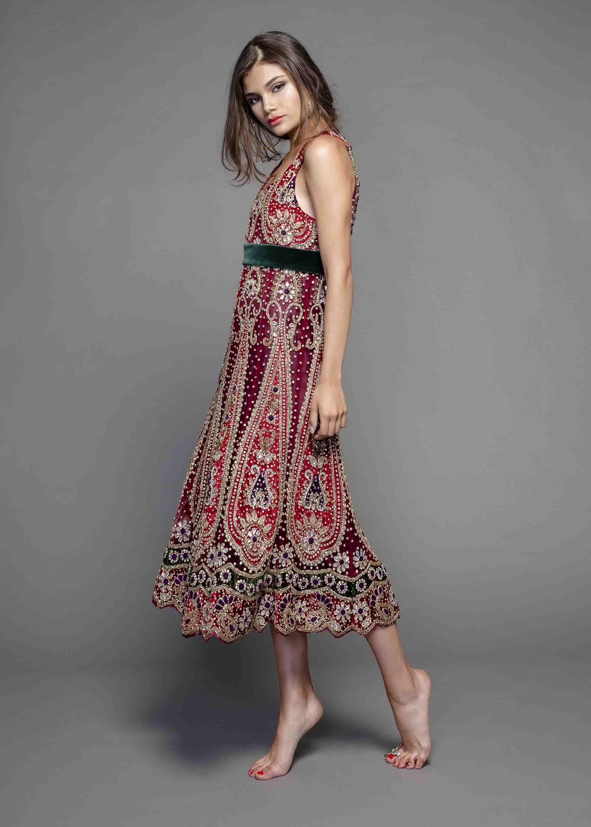 😍 ¿Te gusta este  vestido con  tela de la  India  Disponible en ... e978b55ce38ff