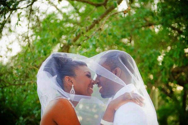 Bride & Groom  #love #wedding #veil