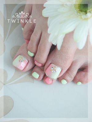 ☆お客様ネイル(フットジェル)☆ の画像|名古屋昭和区 private nail salon TWINKLE