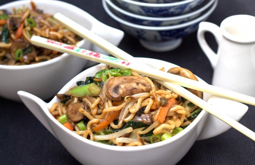 Perfect Chinese Noodles {Lo Mein} #chinesemeals