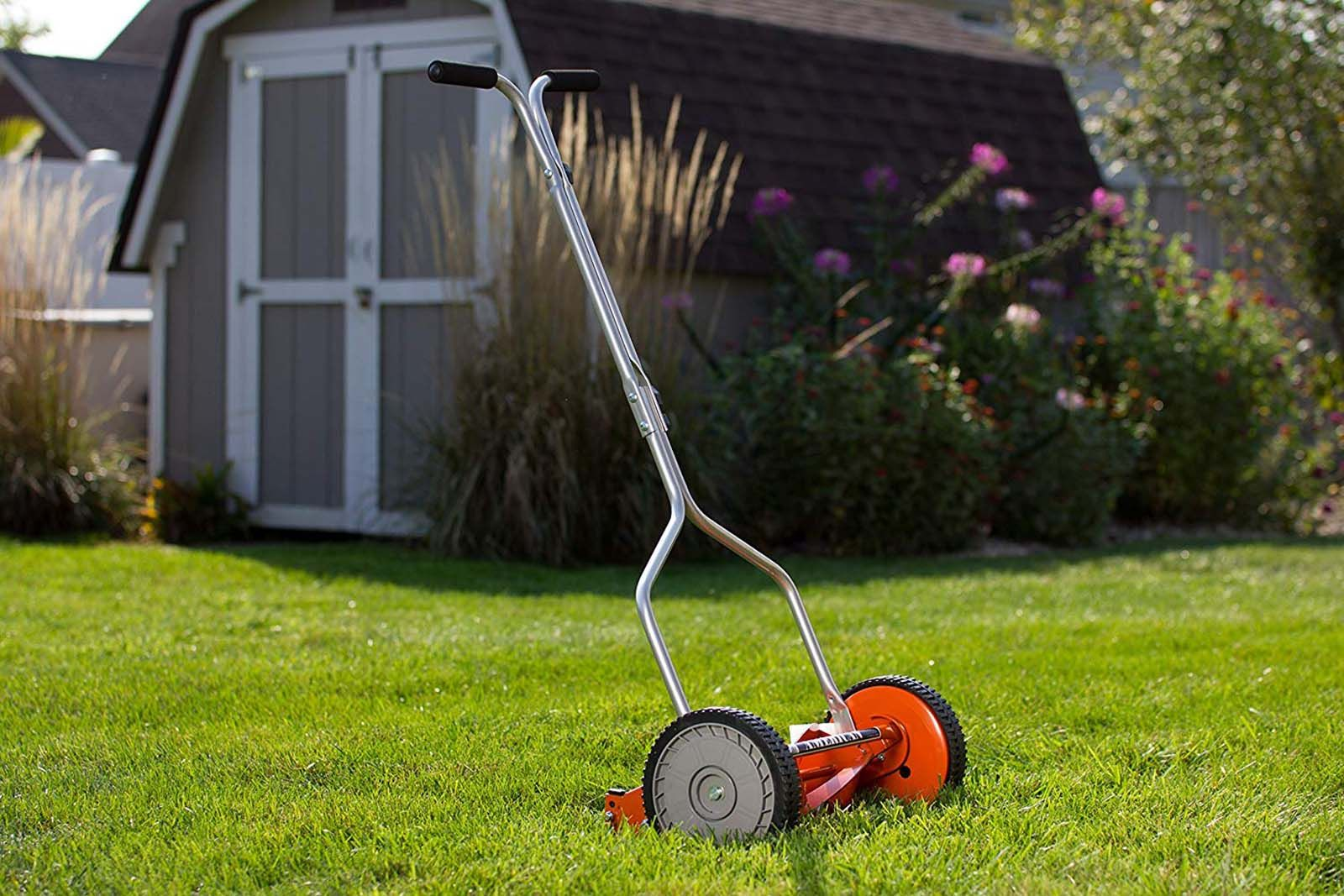 4 Best Lawn Mower For Small Yard In 2019 Experts Buyer Guide