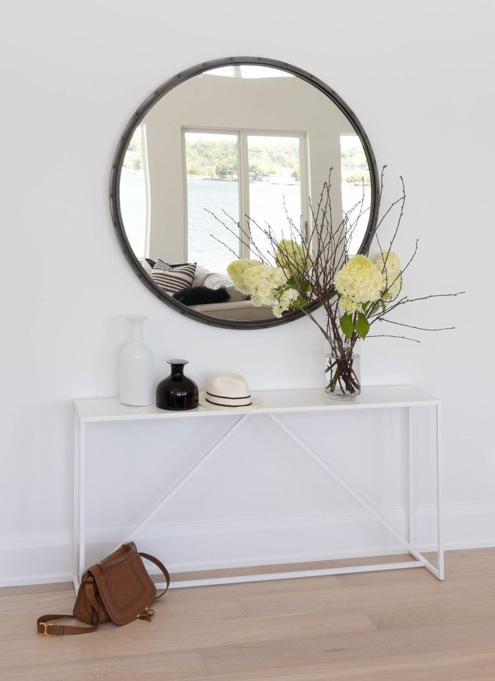 Beautiful Scandinavian Entryway Table And Mirror Set