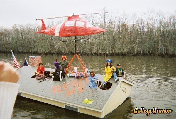 OMG. This is terrific! We need to copy this design. | Boat Parade ...