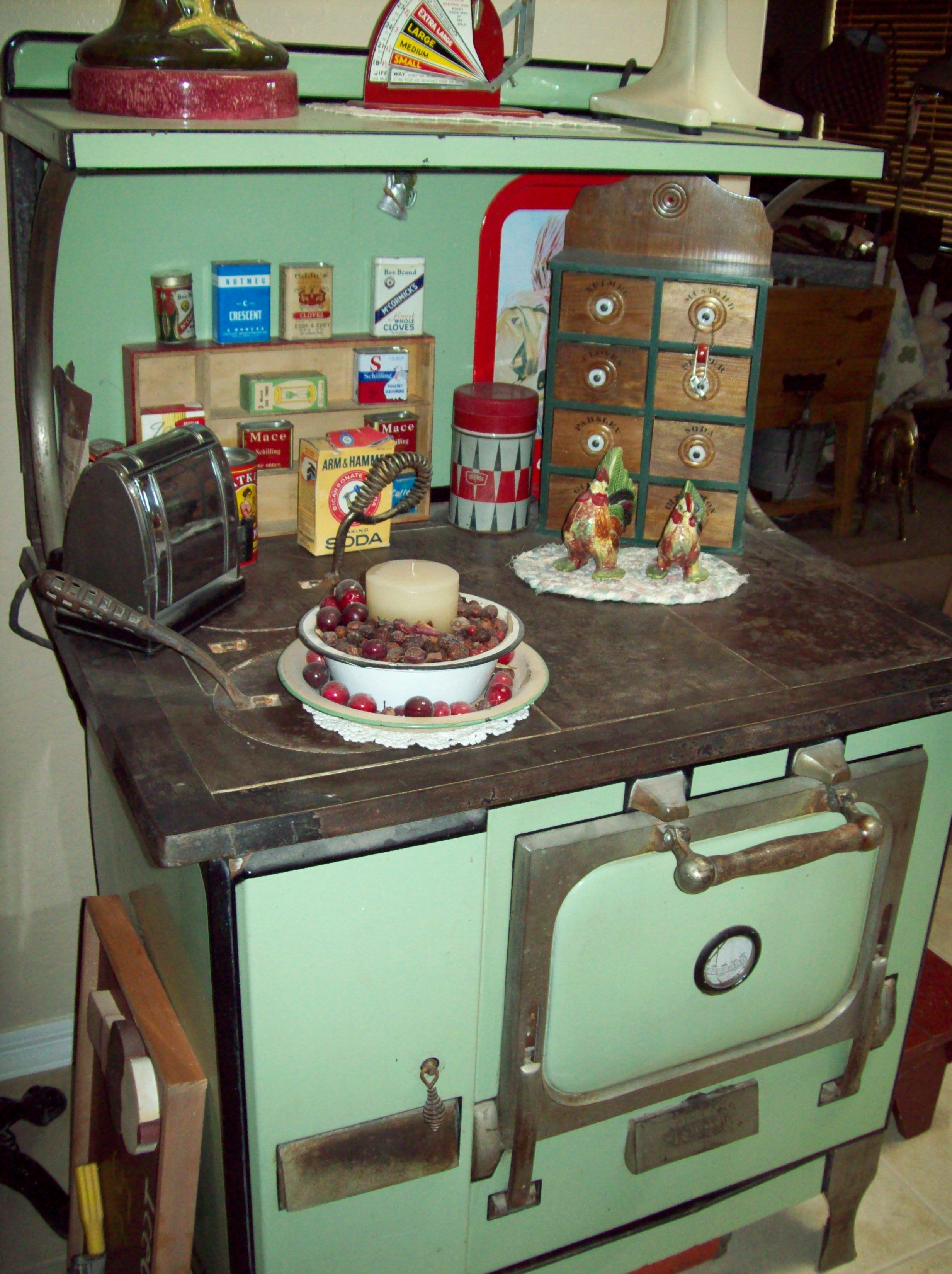 Old wood cook stove old woodstoves pinterest estufa - Estufas de lena antiguas ...