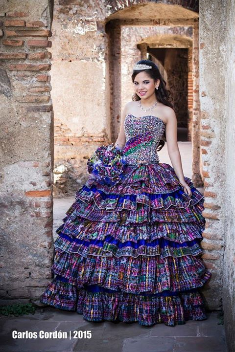 ecd04d9bb Vestido con tejidos tipicos de Guatemala