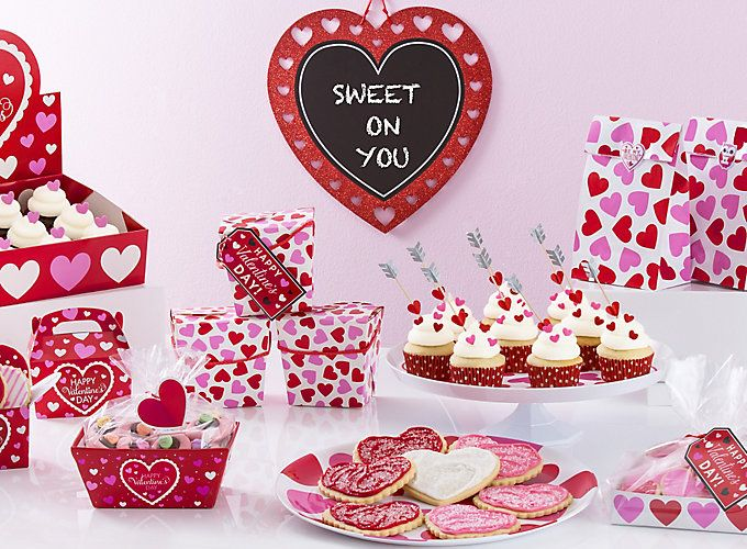 Christmas Baking Party Ideas Part - 33: Check Out Easy And Adorable Valentineu0027s Day Ideas For A Fun Baking Party! A  Homemade Valentine From The Heart Is Just Whatu0027s On The Menu!