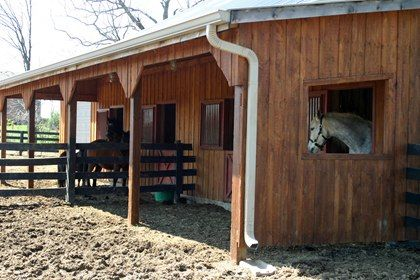 video preventing water runoff on horse properties gutters and downspouts can prevent mud from accumulating around barns horses for clean waters - Horse Barn Design Ideas