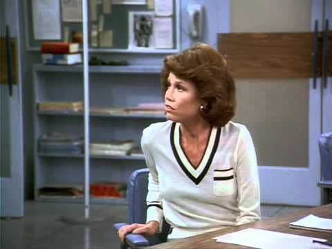 Classic: The Mary Tyler Moore Show S06E01 Edie Gets Married