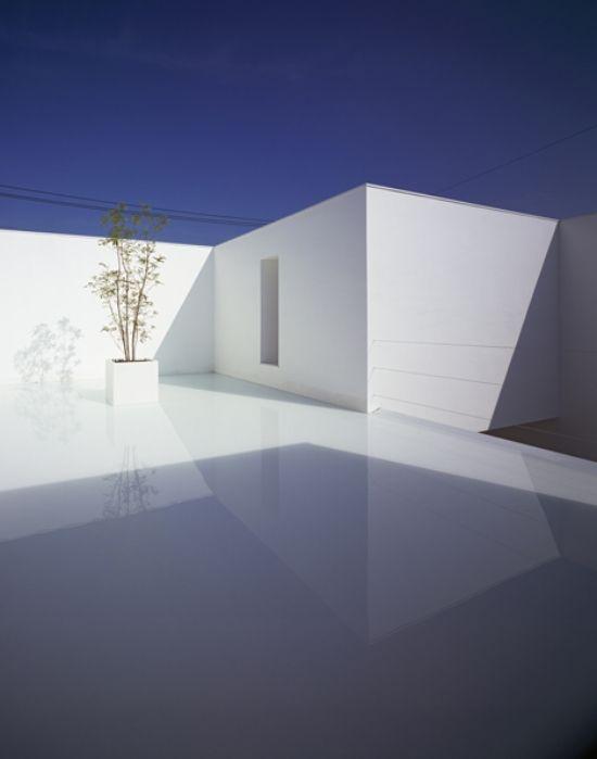 innenhof minimalistisch weiß haus beton konstruktion design ...