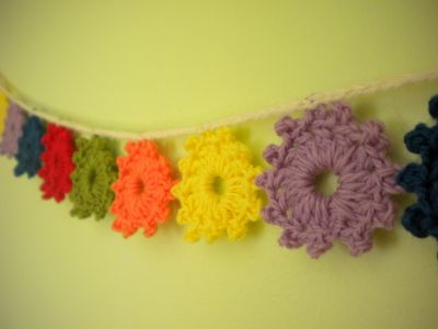 "༺༺༺♥Elles♥Heart♥Loves♥༺༺༺ ...........♥Crochet Bunting♥........... #Crochet #Bunting #Crochetbunting #Garland #Flag #Decorate #Tutorial #Pattern #Vintage #Handmade ♥Harujion Design: Crochet Tutorial / ""Ready for Spring"" Garland"