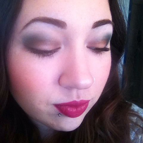 Grande Hotel Cafe Too Faced Green and gold makeup #makeup #toofaced #grandehotelcafe