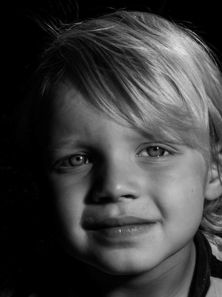 how to take portraits with black background