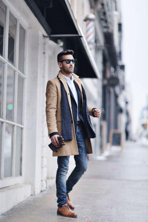 4612a94e3f9 мужчина в светлых джинсах и пальто Мужская Зимняя Мода