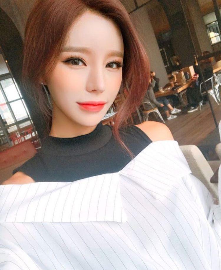 beautiful-korean-wife-amature-cell-pics-of-jennifer