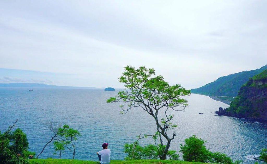 13 Foto Pemandangan Laut Biru Pemandangan Alam Seperti Gunung Kebun Danau Air Terjun Menyatu Menjadi Satu Dalam Satu Pemandangan B Di 2020 Pemandangan Lautan Pantai