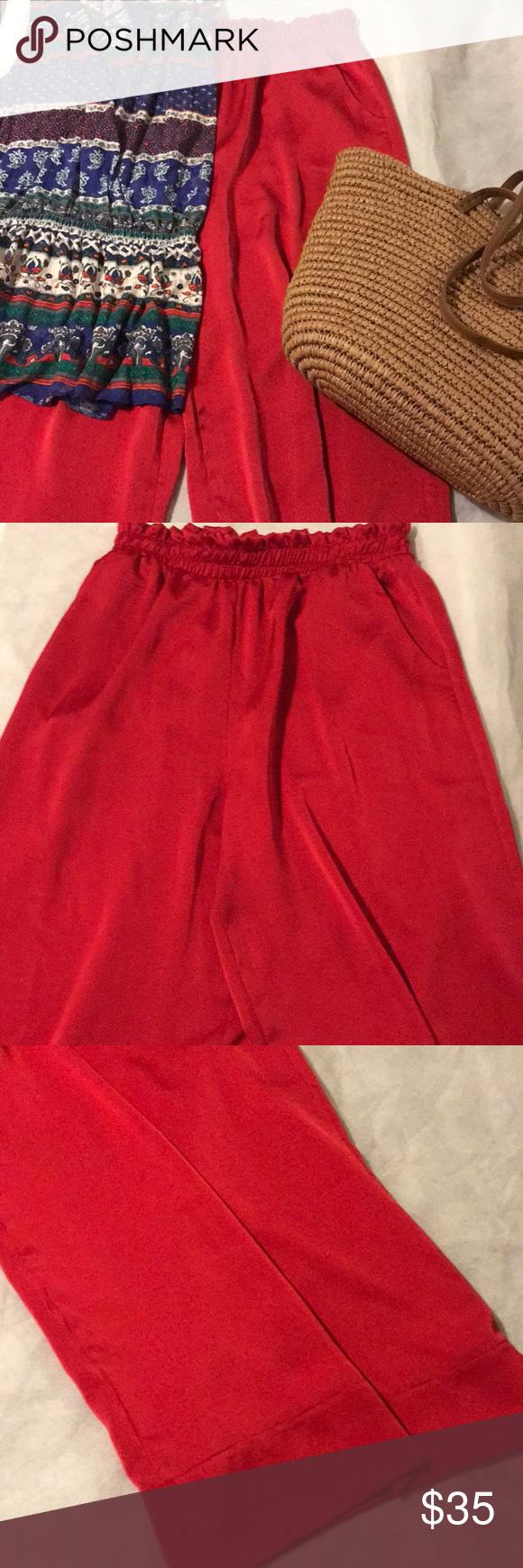 1560dfc0304 Le Lis Red Flair Leg Pants Excellent condition Red flair leg pants wit  pockets from Stitch fix Capri length Le Lis Pants Wide Leg