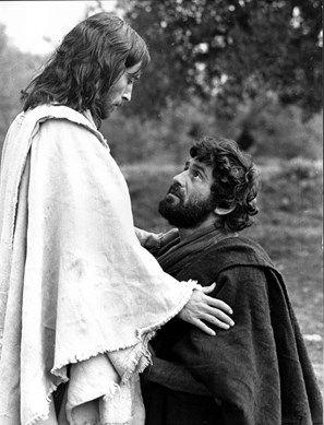 JESUS OF NAZARETH ROBERT POWELL as Jesus with JAMES FARENTINO as ...