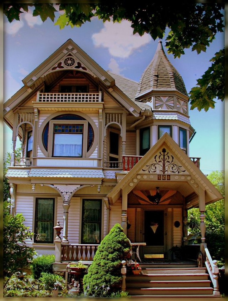 50 Exciting Victorian Tiny House Amazing Ideas Page 7 Of 54 In 2020 Modern Victorian Homes Victorian Homes Exterior Victorian House Interiors
