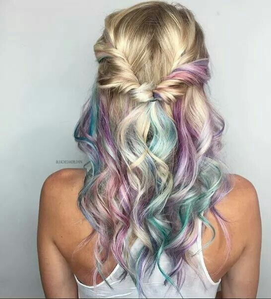 Omg this hair Follow us for more hairstyles. Her Box is a monthly ...