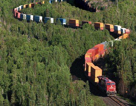 Trem intermodal no norte de Ontário, Canadá