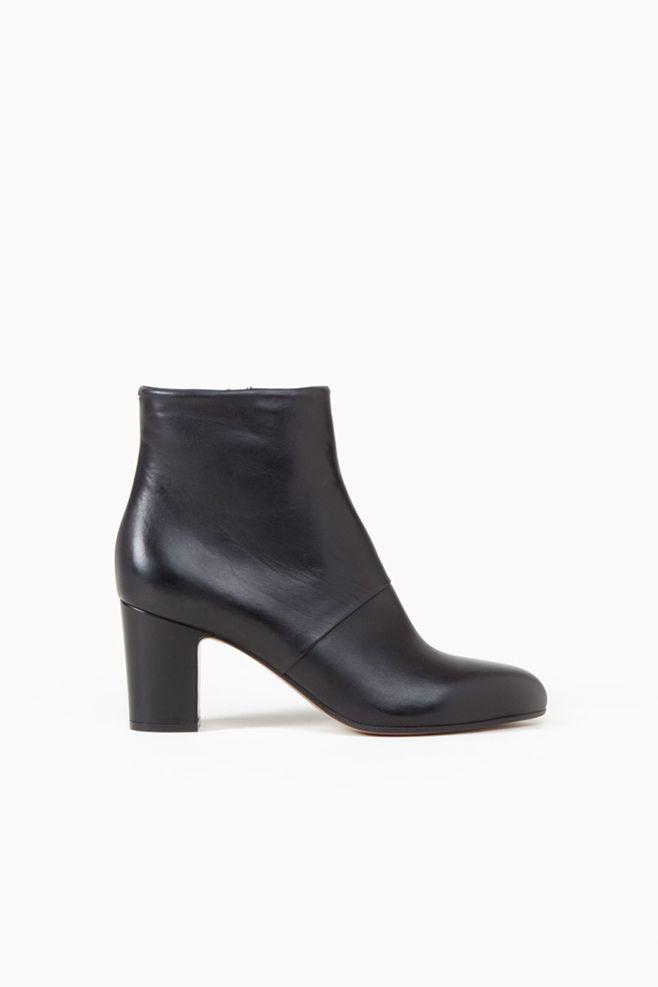 Maison Martin Margiela Point Toe Ankle Boots (Black)