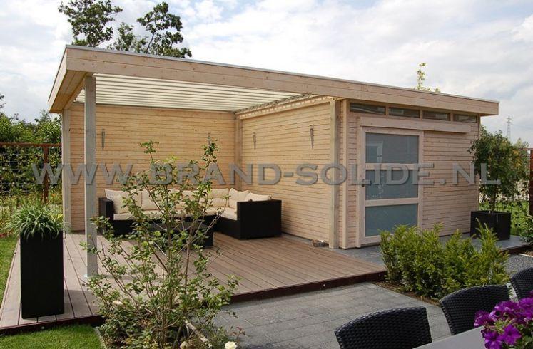 Modern tuinhuis plat dak met schuifdeur overkapping en