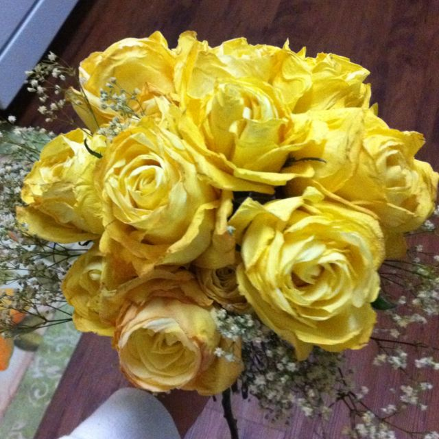 Bouquet of sunshine... Real roses!