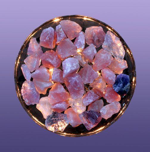 Antes de usarlos para protección o sanación, usted debe limpiar y purificar los cristales que usa en sus rituales. Aquí le decimos cómo.