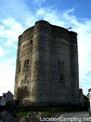 Retrouvez plus d'information sur Château fort à Houdan via le site LocationCamping.net http://www.locationcamping.net/monument-historique/chateau-fort-a-houdan/ #Houdan http://www.locationcamping.net/wp-content/uploads/chateau-fort-a-houdan.png