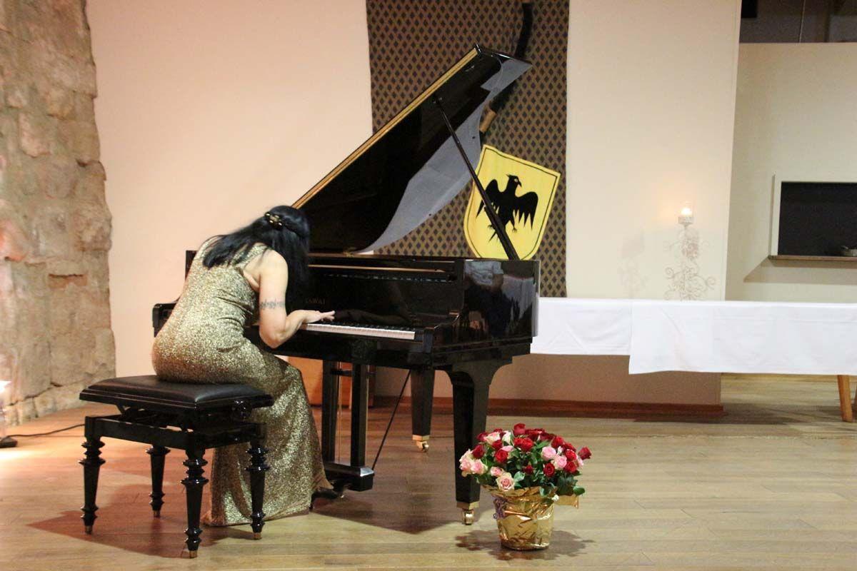 Bravo und Danke Rosalia für dieses Konzert.
