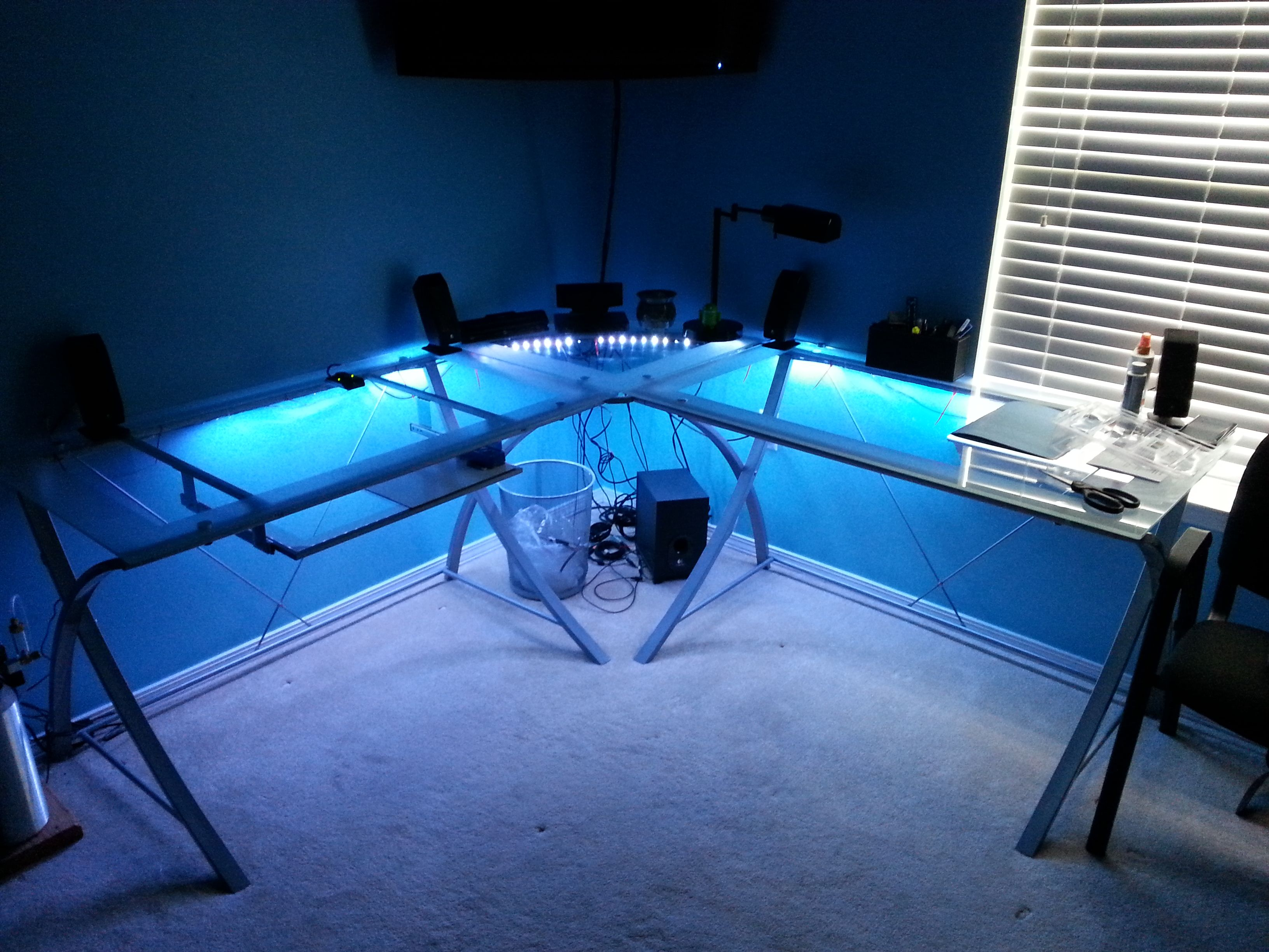 LED Desk lighting | Ultimate gaming set up ideas ...