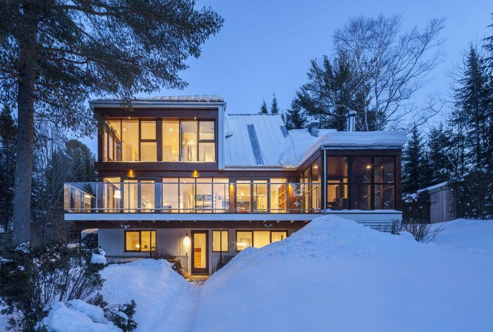 Beim Umbau Dieses Ganz Normalen Hauses In Kanada Kreierten Die Architekten  Bourgeois Lechasseur Eine Villa.