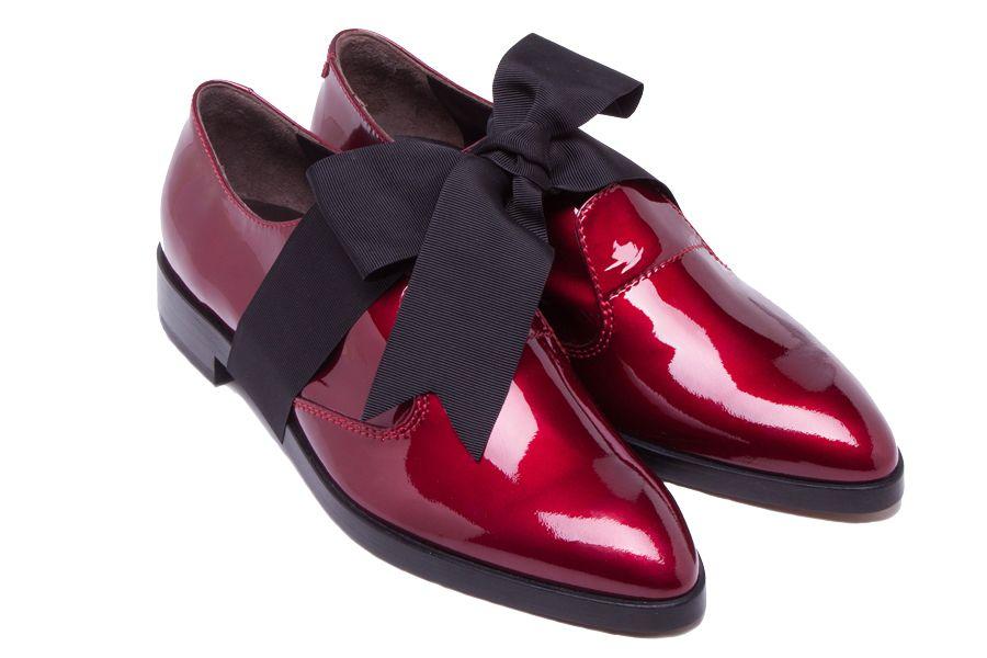 Шик, блеск, лоск- андрогинные вечерние туфли AGL http://www.vogue.ru/fashion/news/androginnyy_tufli_agl/