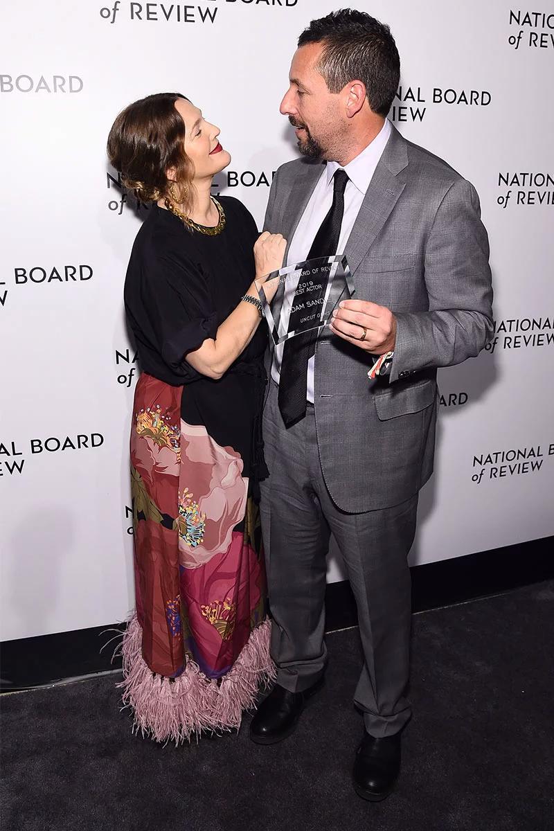Adam Sandler And Drew Barrymore Reunite Actress Praises Friend He Makes Our Lives Better Adam Sandler Drew Barrymore The Wedding Singer