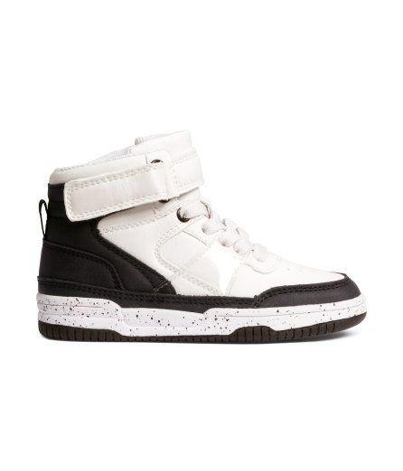 563e711ebd98 Black   White High-Top