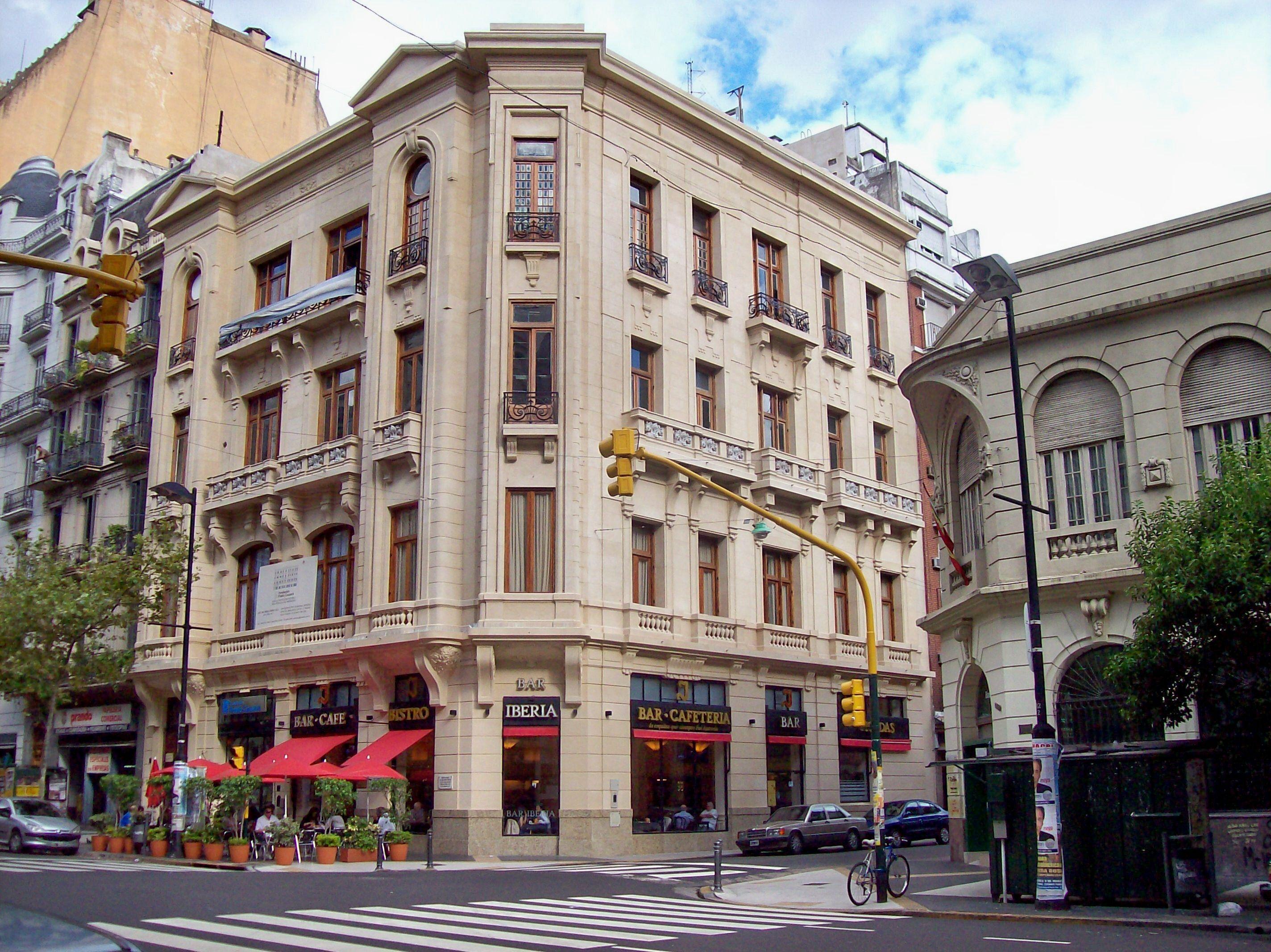 Avenida_de_mayo_café_Iberia.jpg (2848×2134)