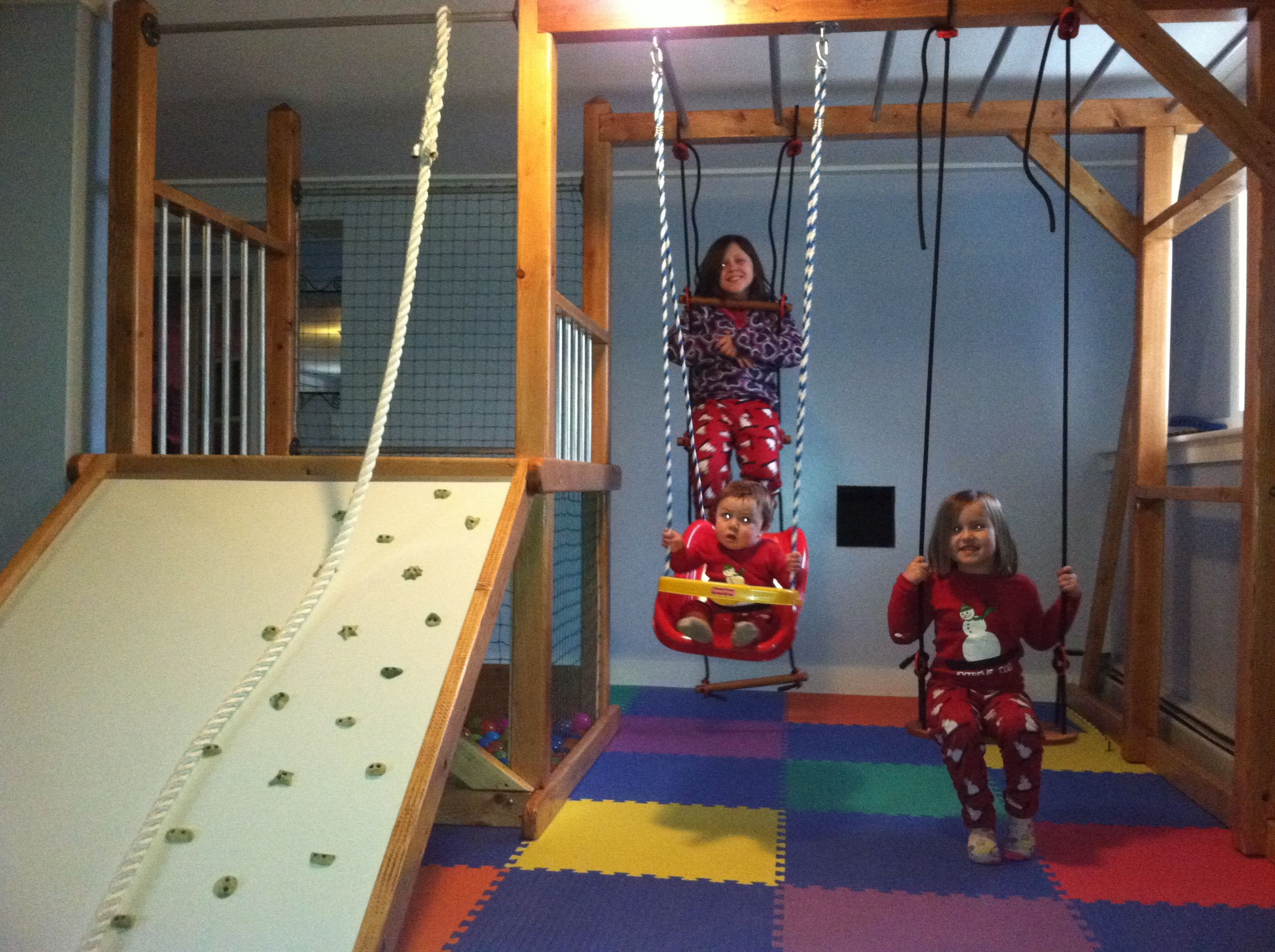 Indoor playground this would be perfect for the cold for Basement jungle gym