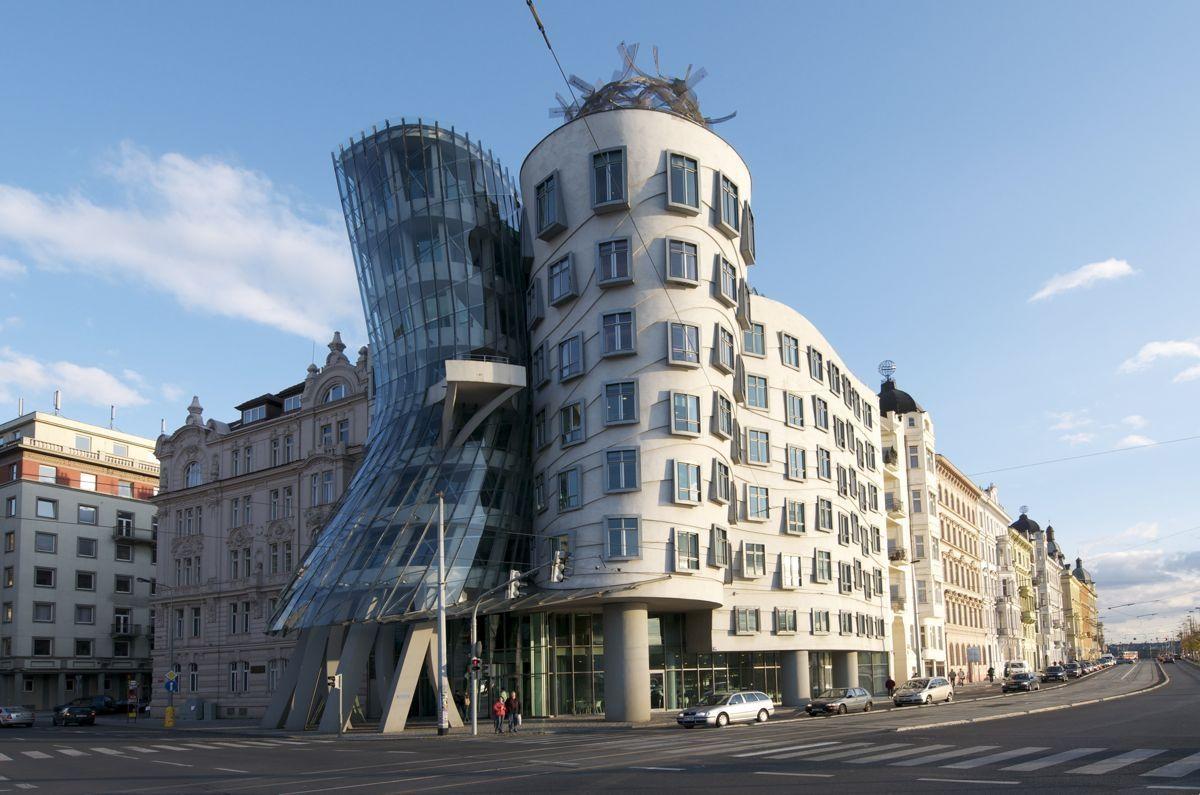 Telhado de Vidro - Casa Dançante, República Checa