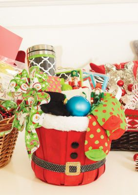 Michaels Christmas Crafts.Just Add Cheer Michaels Store Christmas Gift Baskets