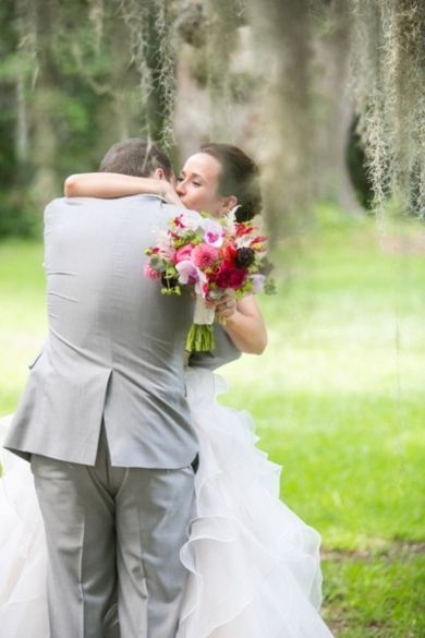 A kiss under the spanish moss - southern wedding inspiration