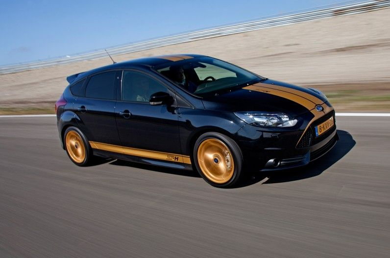 Rent A Ford Focus St H From Hertz In The Netherlands Motortrend