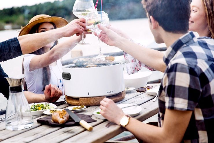 portable BBQ | 7 Gift List Essentials | Wedding registry | itakeyou.co.uk #weddinggift #weddingregistry
