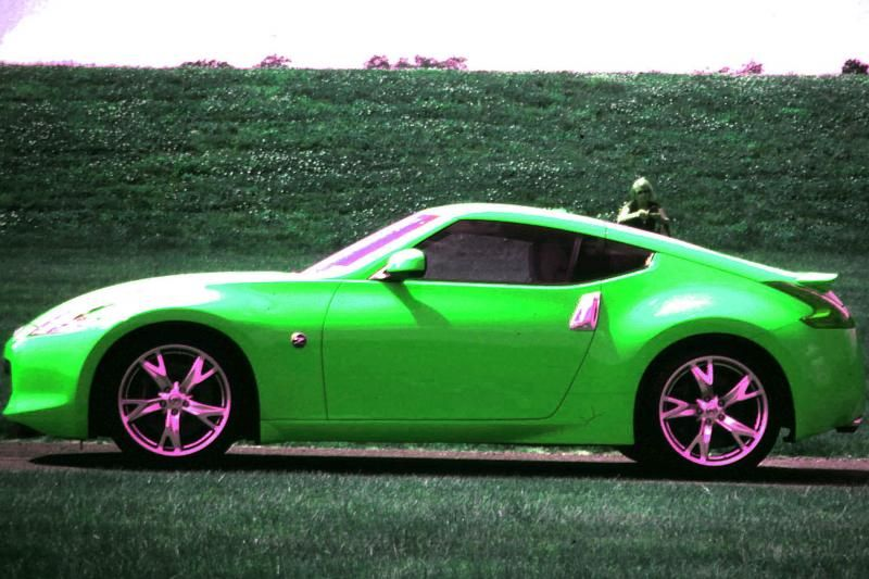 ba2c37b77916 I m developing an unhealthy obsession with the Nissan 350z ...